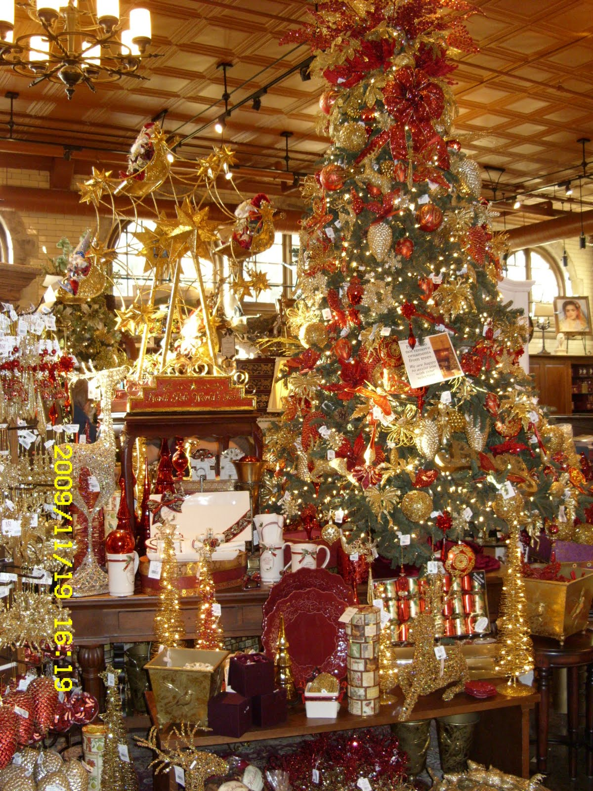 Christmas Decorations At Biltmore Estate | Holliday Decorations