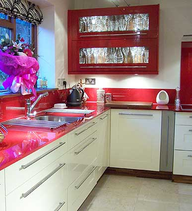Modern home furniture for the kitchen space is simple and memorable