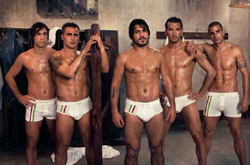 barcelona fc players. Italian soccer players do it