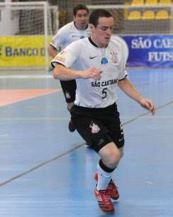 ece5d2a383 Equipe paulista já lidera o grupo B da Liga Futsal 2010Mais organizado em  quadra