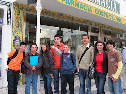 Alumnos y profesores del Al-Baytar en La Olimpiada Matemática.