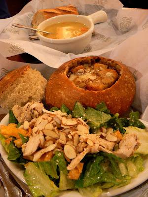 Confiture maison une soupe et son bol de pain au levain - Soupe a oignon maison ...