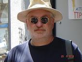Την Πέμπτη 8 Ιούλη 2010  με καπέλο