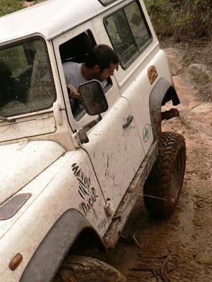 Land Rover Defender em acção