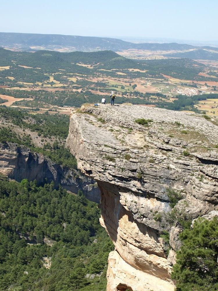 el picayo con Arcos de la sierra al fondo