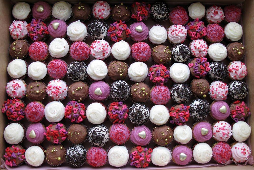 Raspberry chocolate wedding cupcakes | Crumbs & Doilies News