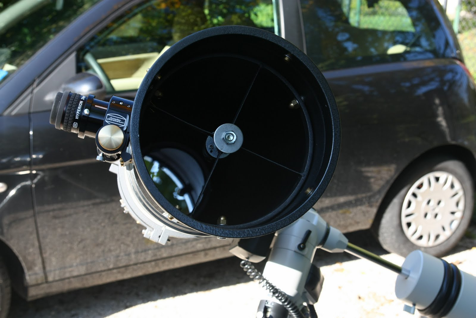 NEWTON 200  F/5,5  - 1120 mm