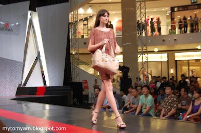Bonia Fashion