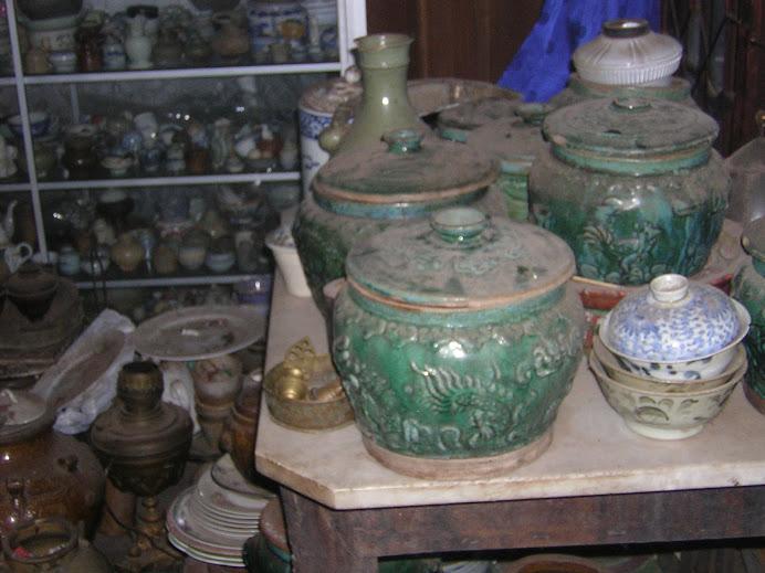 gpiring dantik, guci dan mangkuk antik