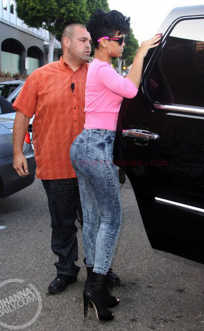 nicki minaj body fake. nicki minaj fake booty before