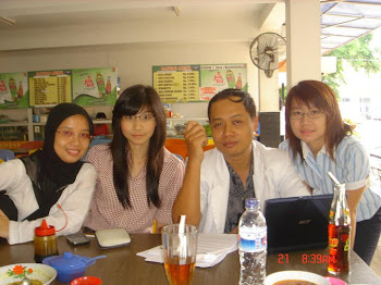 Dokter Gigi  Resident Spesialis Periodonsia Universitas Airlangga Surabaya 2010
