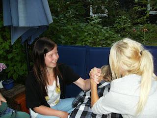 flickvän armbrytning Falun