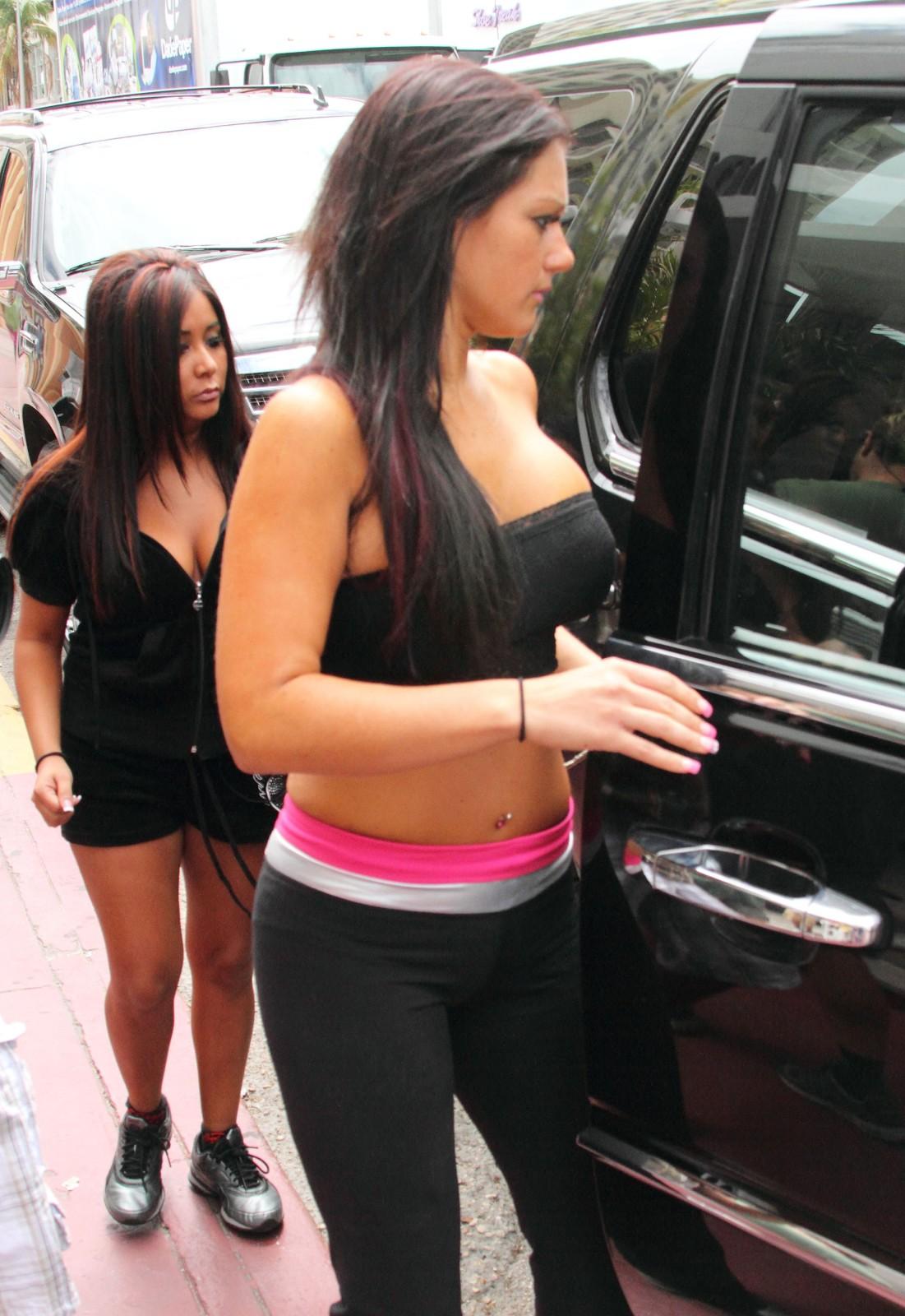 http://2.bp.blogspot.com/_AjWUpQhTvyg/S7xyHzrE4sI/AAAAAAAAAc4/gPv4_eQEspU/s1600/Jenni+Farley+Her+Body+Show7.jpg