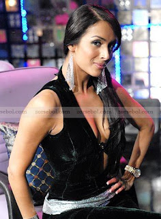 Bollywood Hot Cleavage Photos