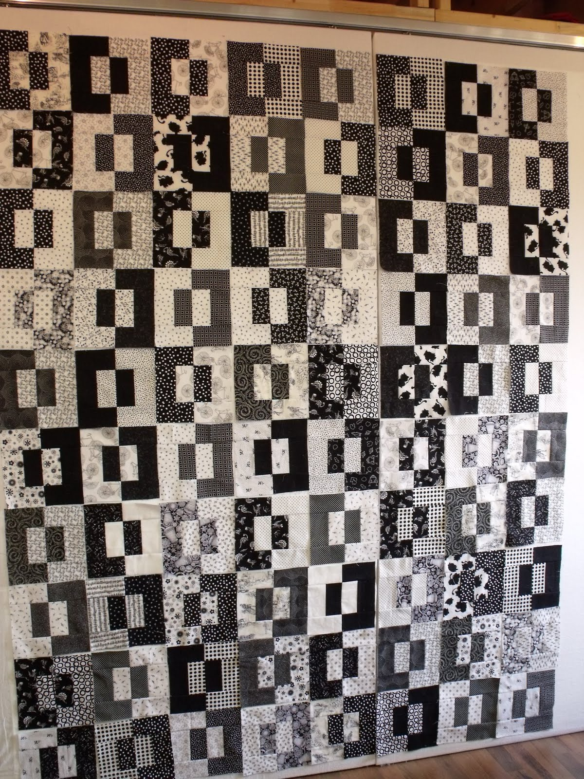 Treadle quilts nick and christina 39 s quilt for Black white and gray quilt patterns