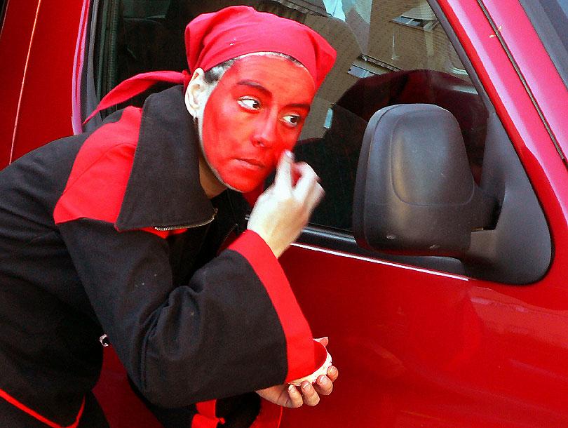 vermell red rojo diables canovelles festa fiesta diablos diabla demonia demonio dimoni satan devil