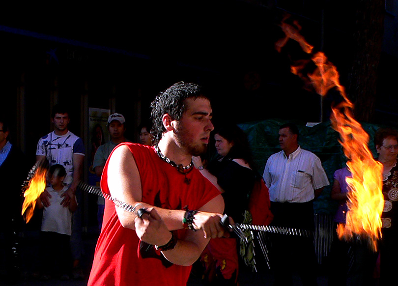 canovelles festa major fiesta mayor foc fuego fire jugar play diables diablos devil