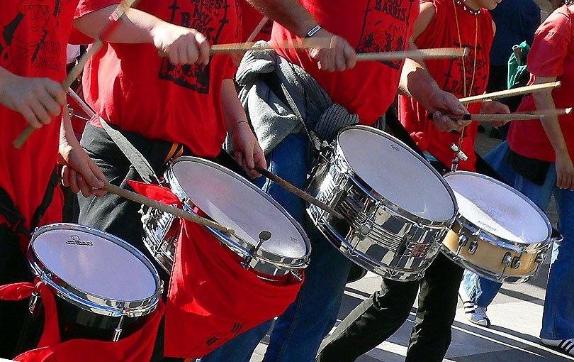 timbals timbales Kettledrums tambores tambors drumms festa major fiesta mayor canovelles rua
