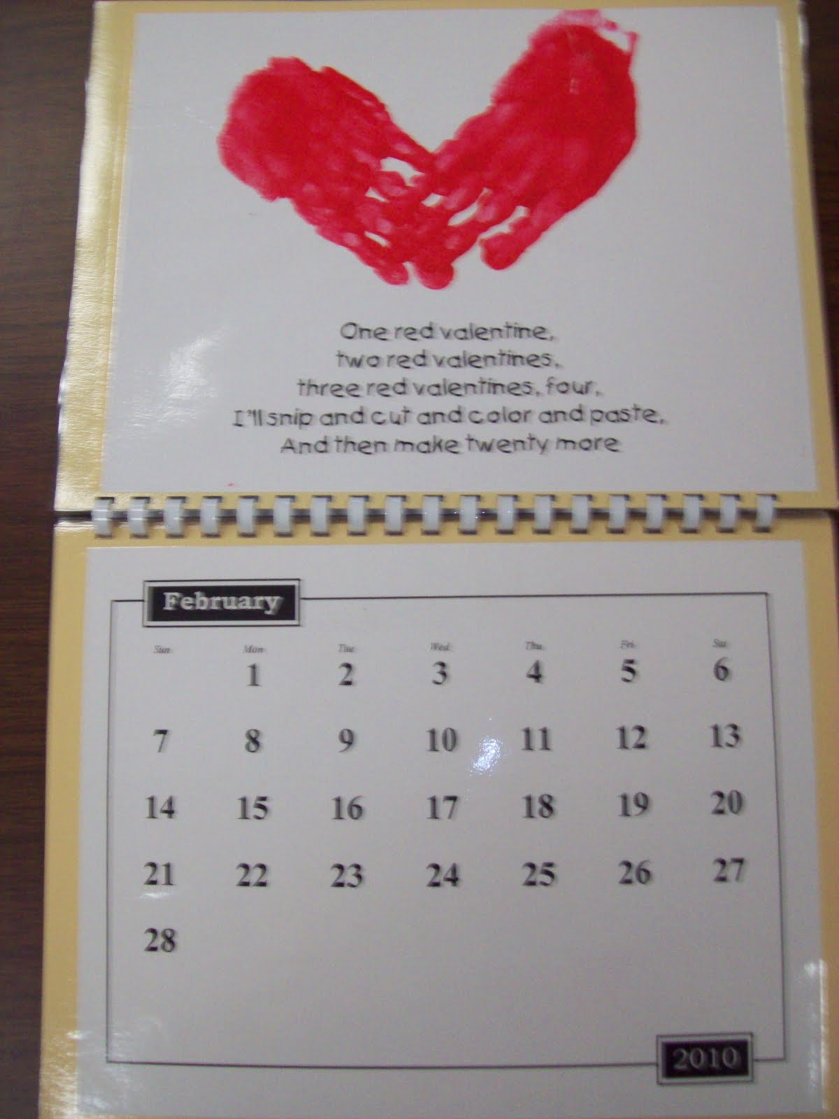 Christmas Calendar Ideas Preschool : Chalk talk a kindergarten handprint calendar