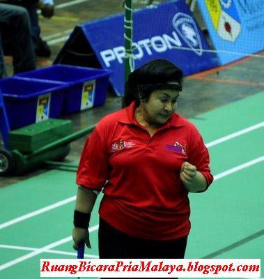 http://2.bp.blogspot.com/_AnovcU-a9ZY/S-1hWnywyAI/AAAAAAAAHLw/ih7zqhYQ2l4/s400/Rosmah+Mansor+Sihat+Fitness+First.jpg