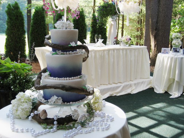 31 Purple Wedding This outdoor wedding cake brought together delicate