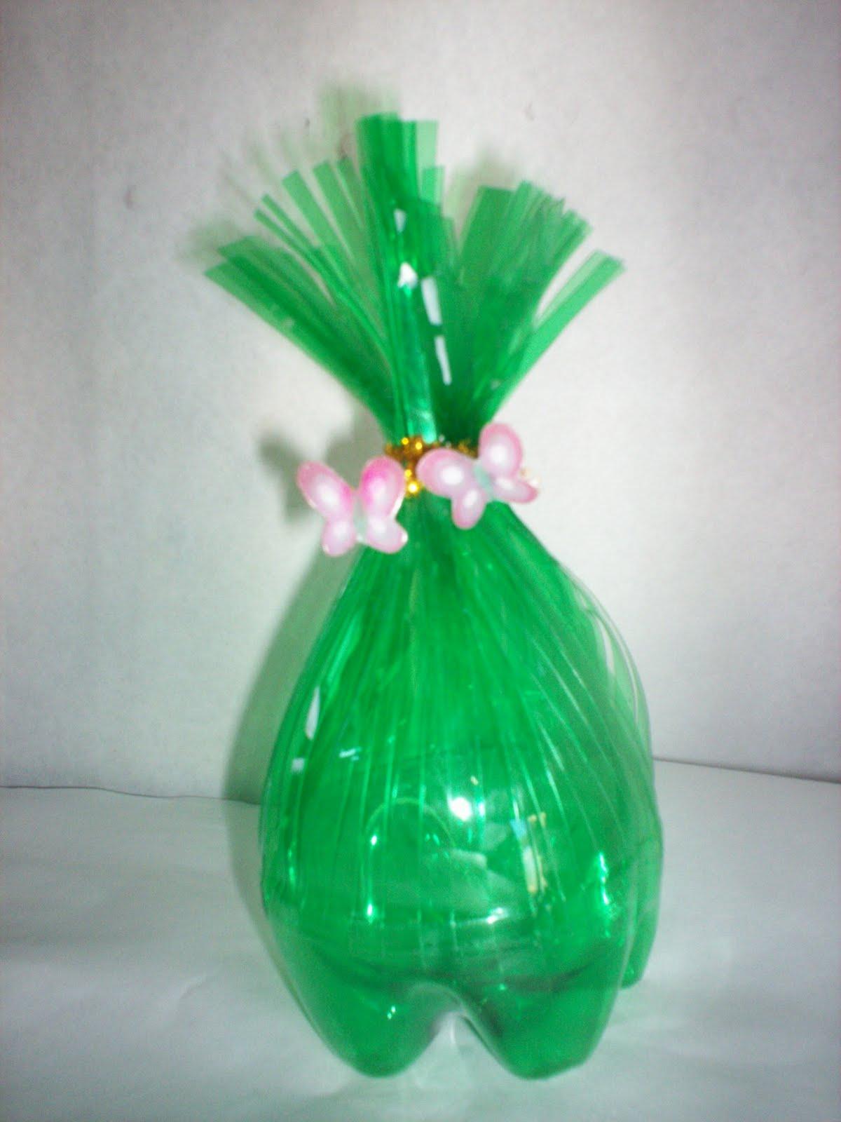 Sembrando mariposas cotillon muy sencillo con botellas de - Como pintar botellas de plastico ...