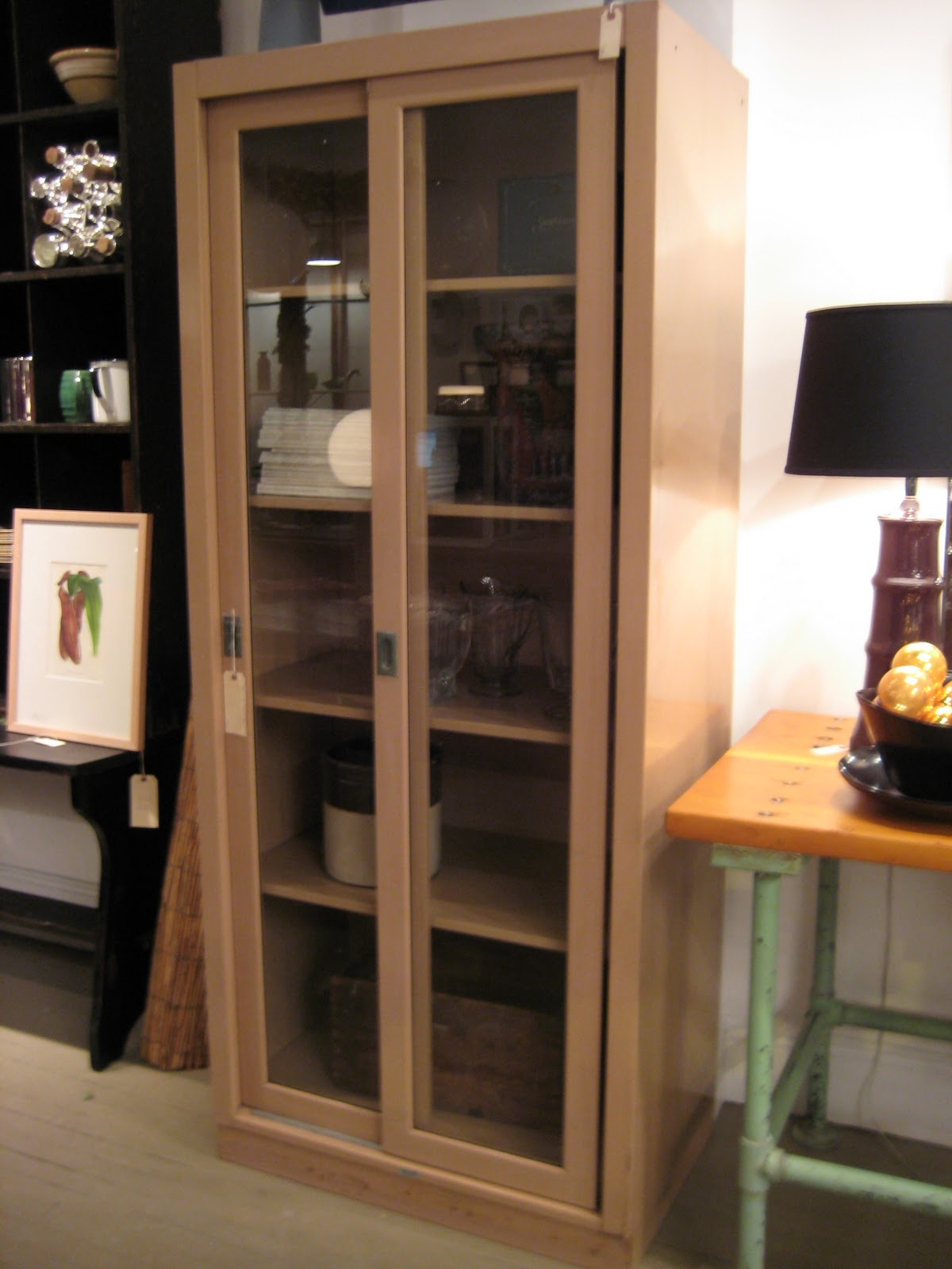 One thing Iu0027ve learned in my years of scouting for Scout we canu0027t have enough storage pieces. Not just your typical blob of wood that hides everything ... & Scout Chicago: Tan Steelcase Sliding Door Cabinet