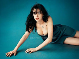Charming pictures and wallpapers of Anne Hathaway