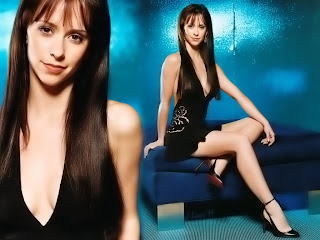 Cute singer and hollywood star Jennifer Love Hewitt images