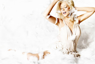 free Singer Christina Aguilera wallpapers and images