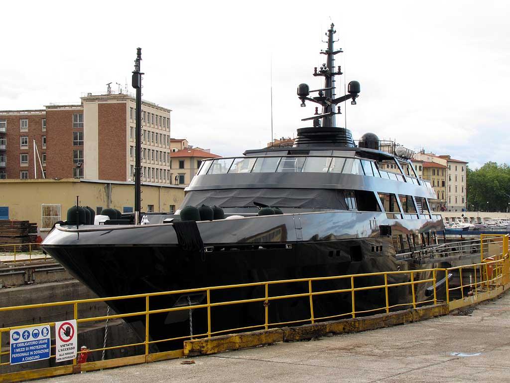 Maìn, Giorgio Armani's Yacht