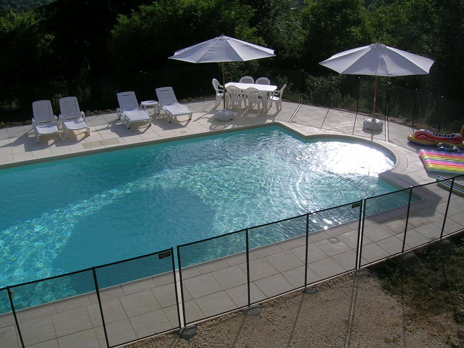 [swim+pool+morning.JPG]