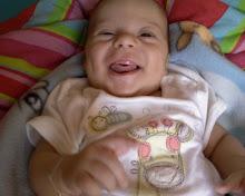 Sorriso banguelo(02 meses)