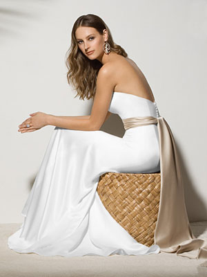 Shop For The Perfect Beach Style Wedding Dresses