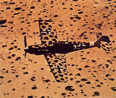 Pour Emil_ le 109 E7 Trop de François (Longstreet) FERTIG (Fini) - Page 2 Bf109+in+the+best+desert+camo