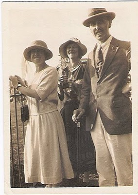 Photo of Florence Eliza Higgins Clamp with Lady Bingham and Fred Topsfield, in England 1924
