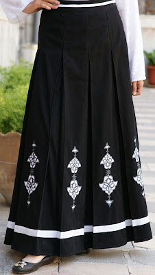 Mumtaz Embroidered Skirt
