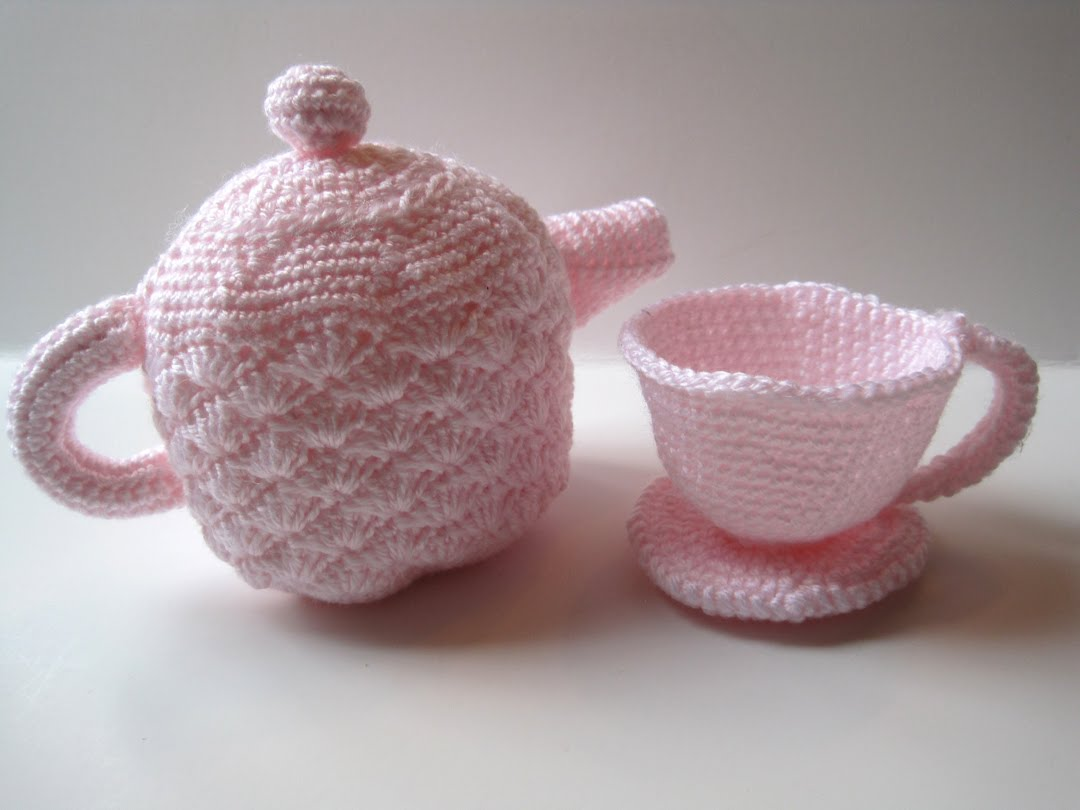 Crochet Meaning : Tea With Friends: Crocheted teawares