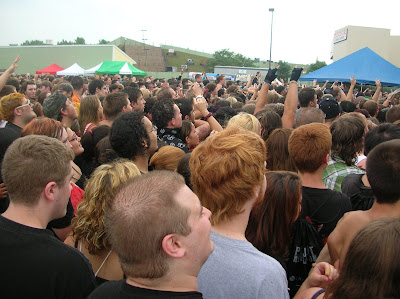 The pit in front of the Revolution Stage, Projekt Revolution Hartford