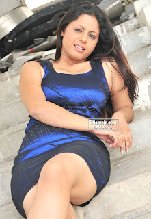 sunakshi92 Sunakshi Hot Sexy Cleavage Pictures