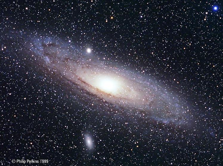 Un conglomerado de estrellas y más:  Galaxia Andrómeda a 2,3 millones de Años Luz de la Tierra.