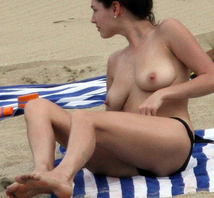 Kelly Brook escena de sexo de la isla de Supervivencia