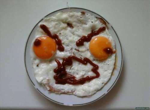 http://2.bp.blogspot.com/_AxdefW6jNh8/TLkoh44y5RI/AAAAAAAAGVs/OPpizfWgkMs/s1600/funny-food-0.jpg