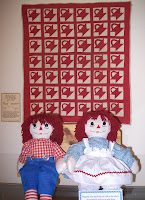 red baskets quilt
