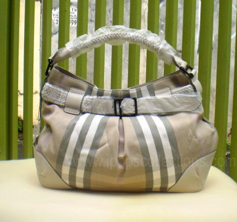 ini sudah siap melihat koleksi tas branded terbaru kali ini