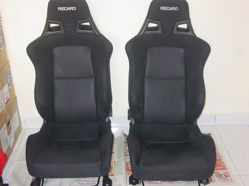 supertram garage recaro evo 39 x black. Black Bedroom Furniture Sets. Home Design Ideas