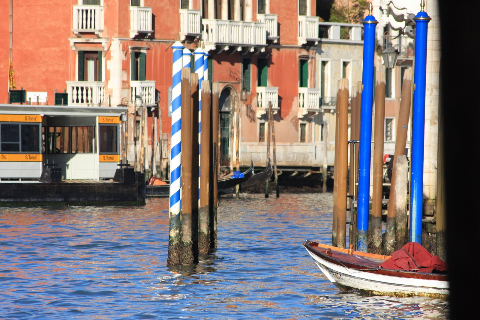 [Venice+2008+043.jpg]