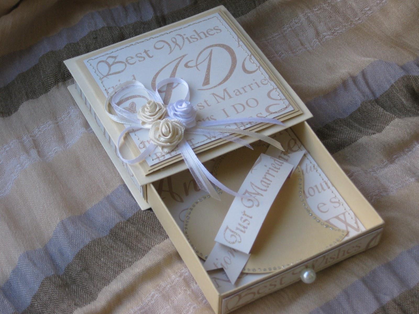 Подарок для молодоженов на свадьбу своими руками 15