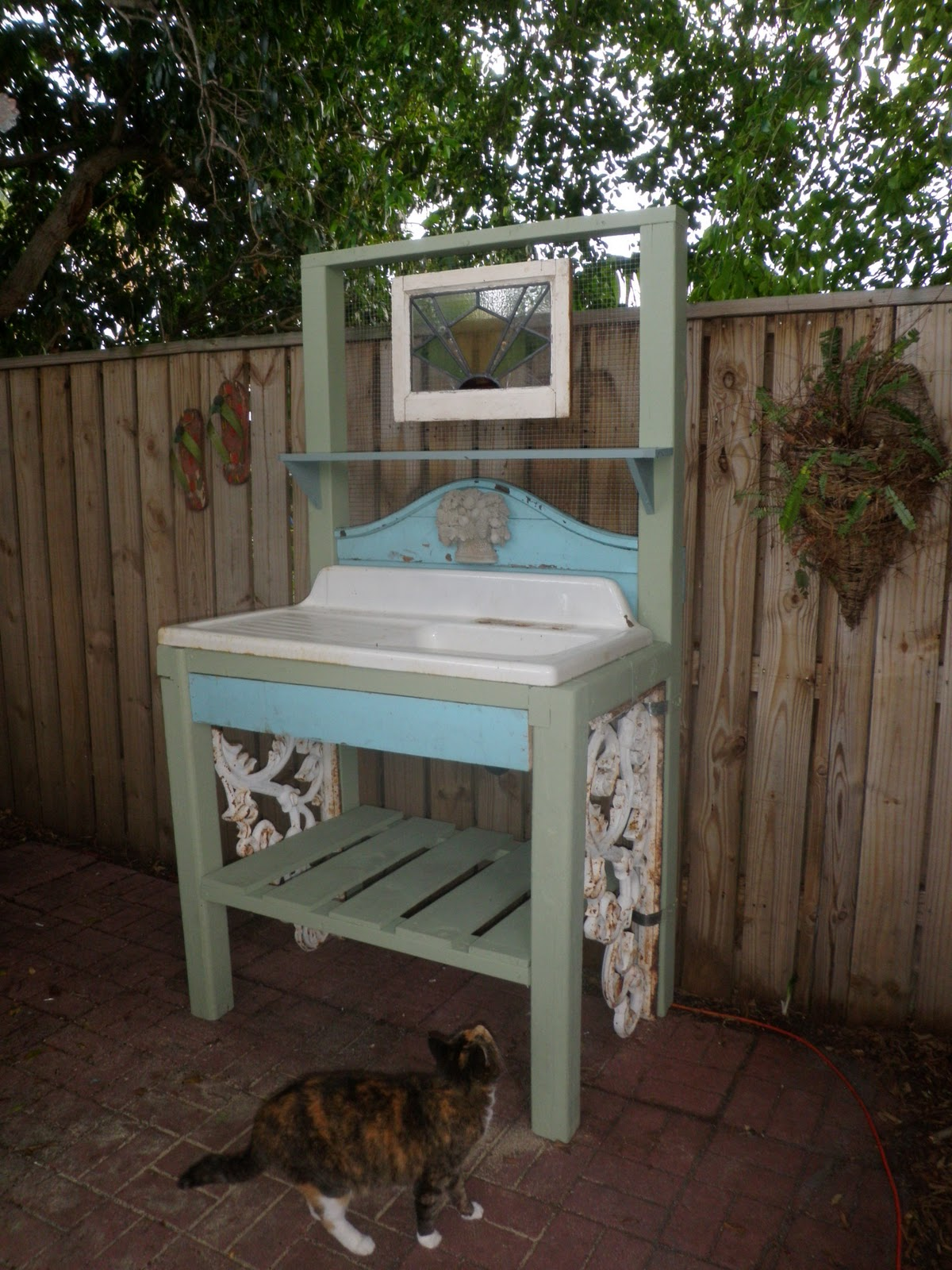 Potting Bench With Storage - Viewing Gallery