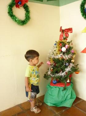 Mais um ano chegou ao fim...que em 2011 continuemos dando o melhor de nós para nossas crianças!